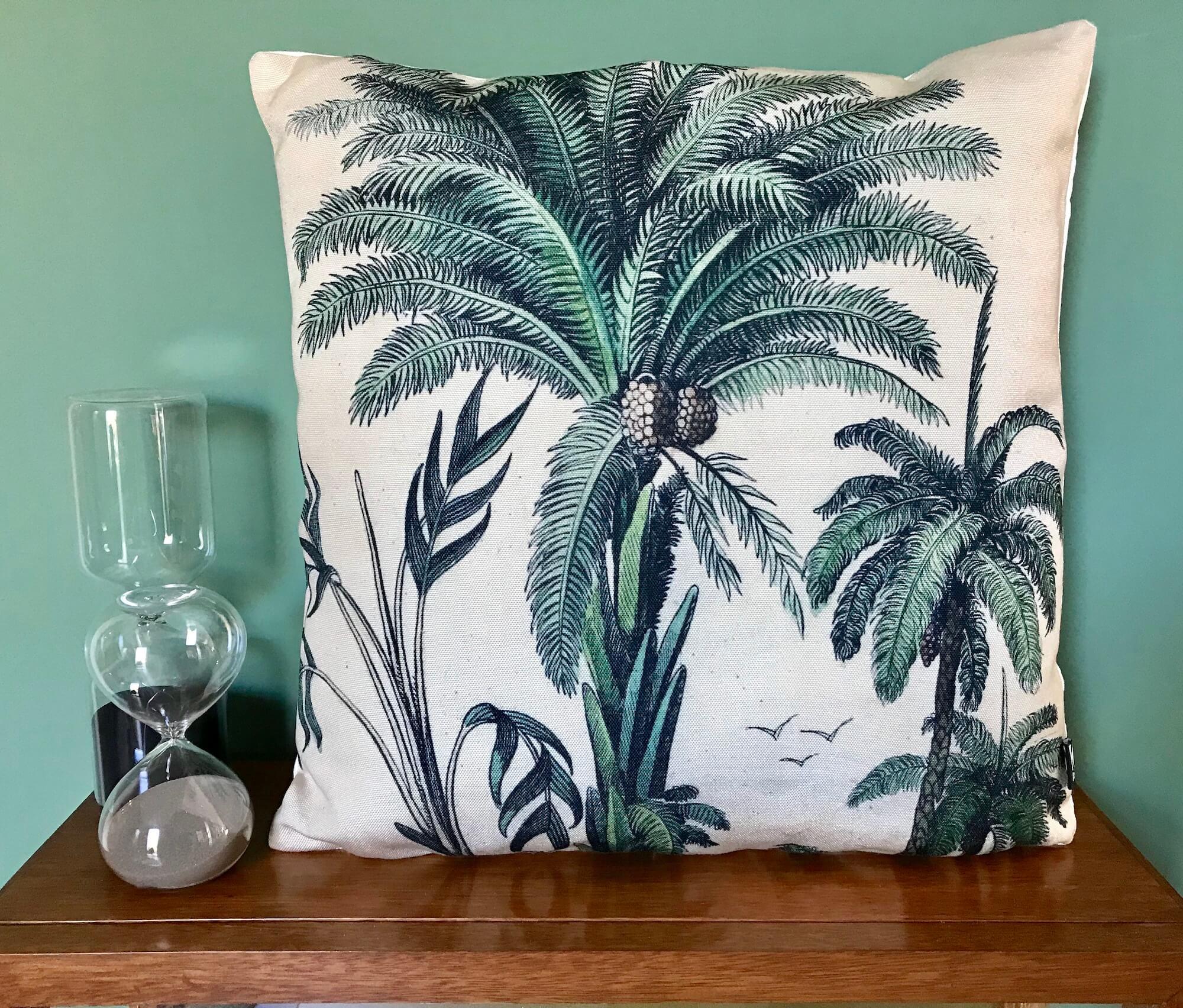 coussin imprim palmiers verts hk living maison saint sa. Black Bedroom Furniture Sets. Home Design Ideas