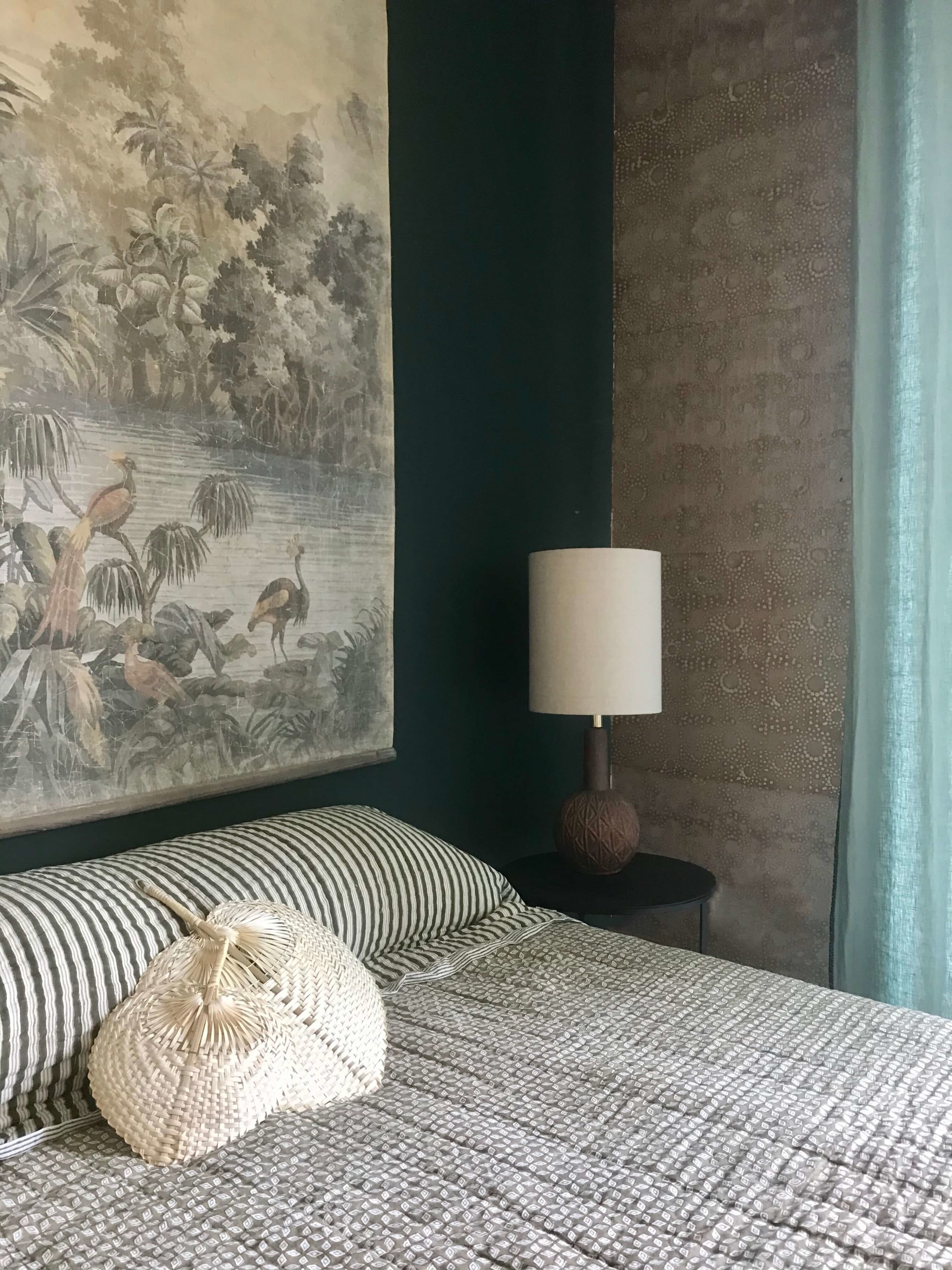 lampe-deco-chambre-boheme-tenture-murale - Maison Saint Sa