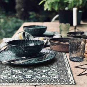 vaisselle verte set de table armenian noir blanc et vert